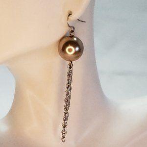 Faux Pearl Dangle Earring Silver Tone Chain Pierce